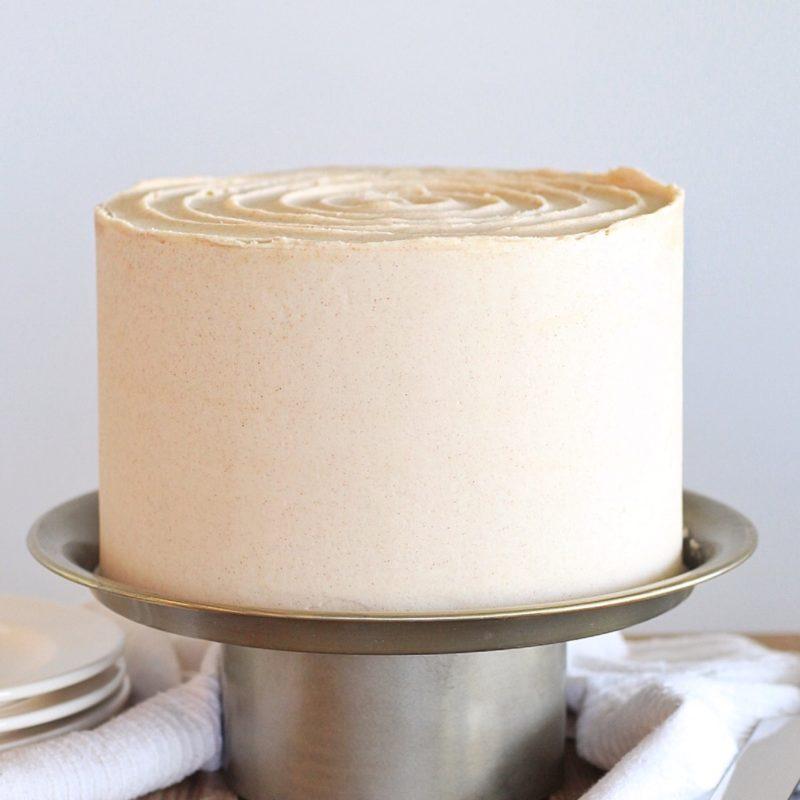 Snickerdoodle Cake - cinnamon sugar cake layers with a cinnamon sugar crunch filling, white chocolate ganache and a cinnamon buttercream. #snickerdoodlecake #snickerdoodle #cake #cakerecipe #fallcakerecipe #fallcake #cakeforfall #fallcakeflavor