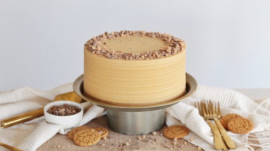 Gingerbread Latte Cake #cakebycourtney #gingerbreadlattecake #gingerbreadcake #lattefrosting #coffeefrosting #easycakerecipe