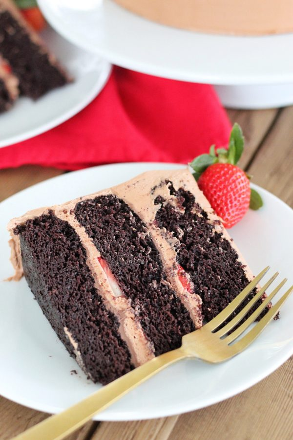 Chocolate Strawberry Nutella Cake #cakebycourtney #chocolatecake #nutellacake #nutellafrosting #easychocolatecake