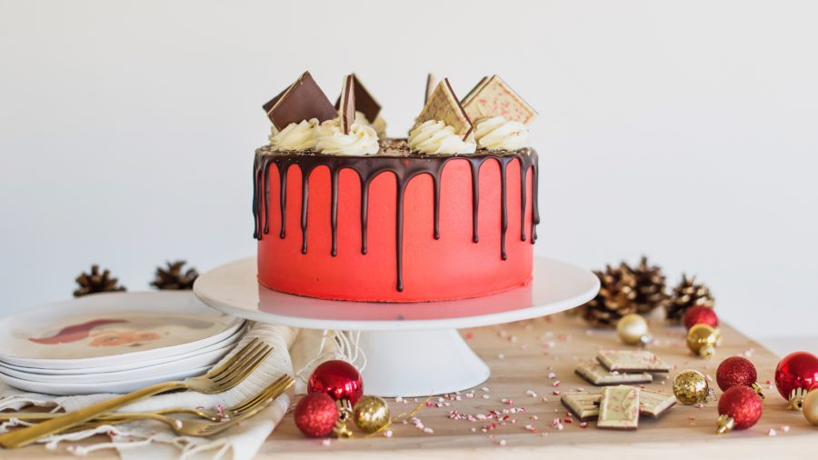 Chocolate Peppermint Cake #cakebycourtney #easychocolatecake #chocolatepeppermintcake #christmascake