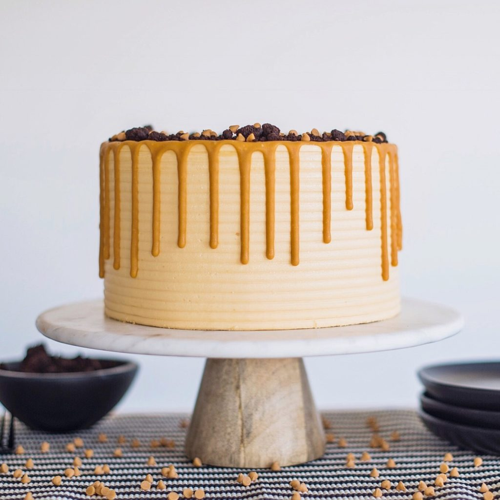 Butterscotch Chocolate Chip Cake #cakebycourtney #butterscotchchocolatechipcake #butterscotchfrosting #chocolatechipcake #cake #easycakerecipe