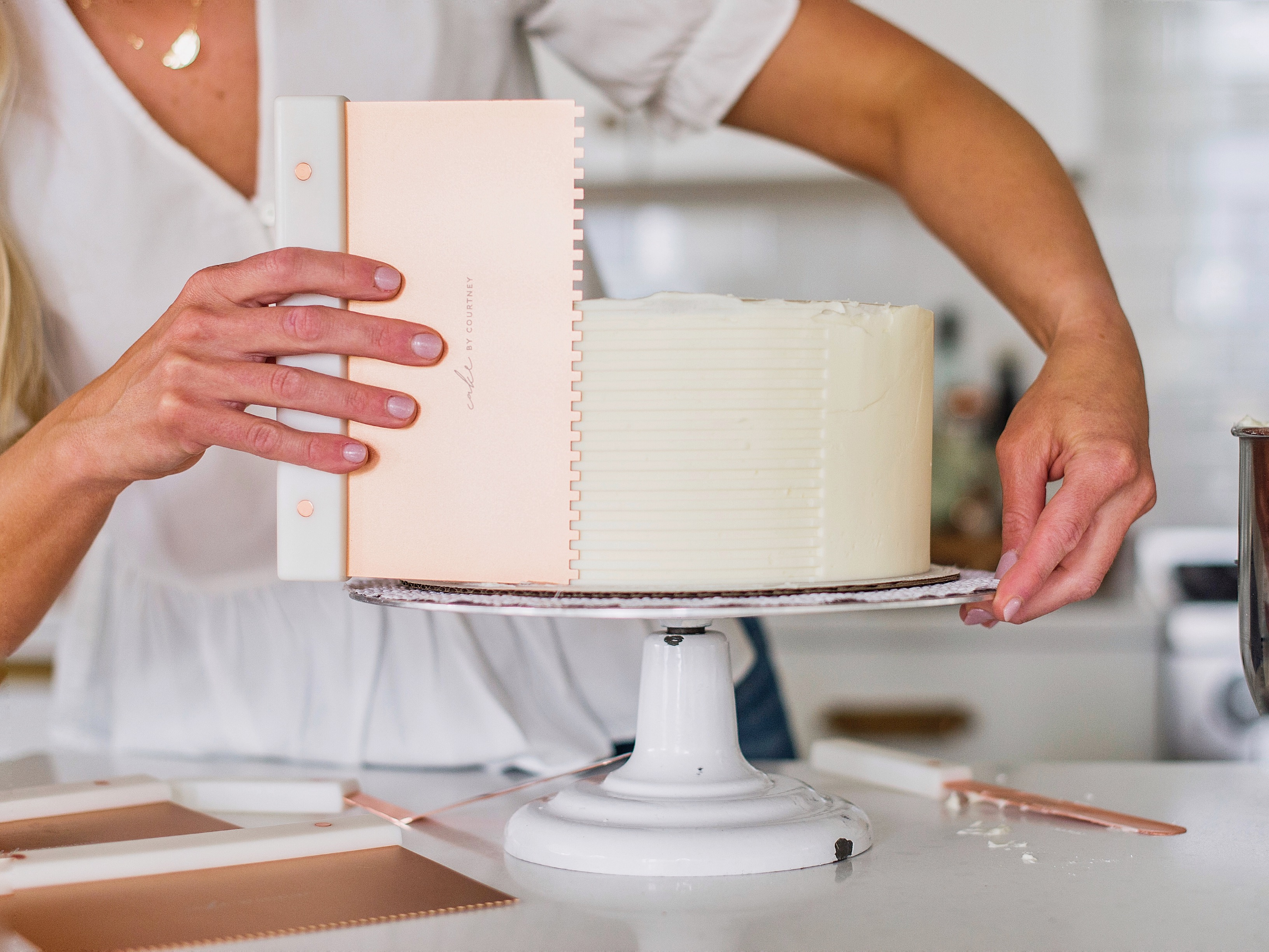 Ido Fishman Highlights Cake Decorating Tools that Every Beginner Should Have