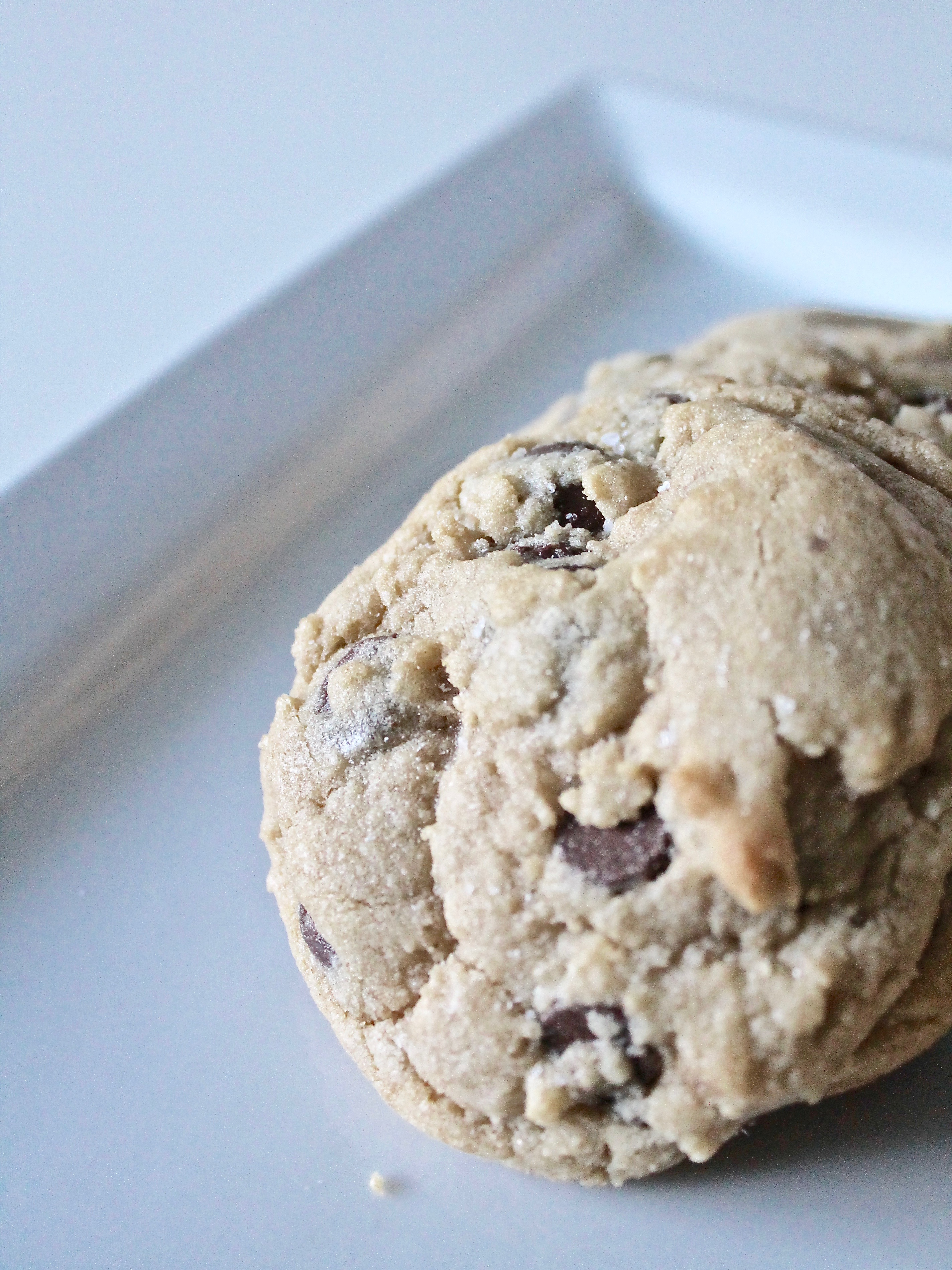 With a mix of white/granulated sugar and brown sugar, these chocolate chip cookies are the perfect cookie. www.cakebycourtney.com