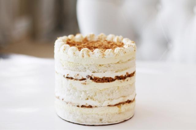 Banana Cream Cake | Cake by Courtney