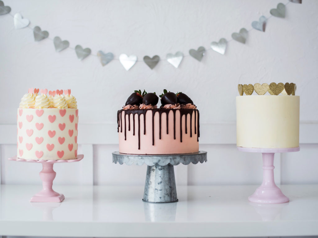 7 Cute and Easy Valentine's Cake Ideas | Cake by Courtney