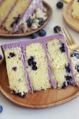 Blueberry Streusel Muffin Cake #cakebycourtney #blueberrycake #Easycakerecipe #blueberrymuffin