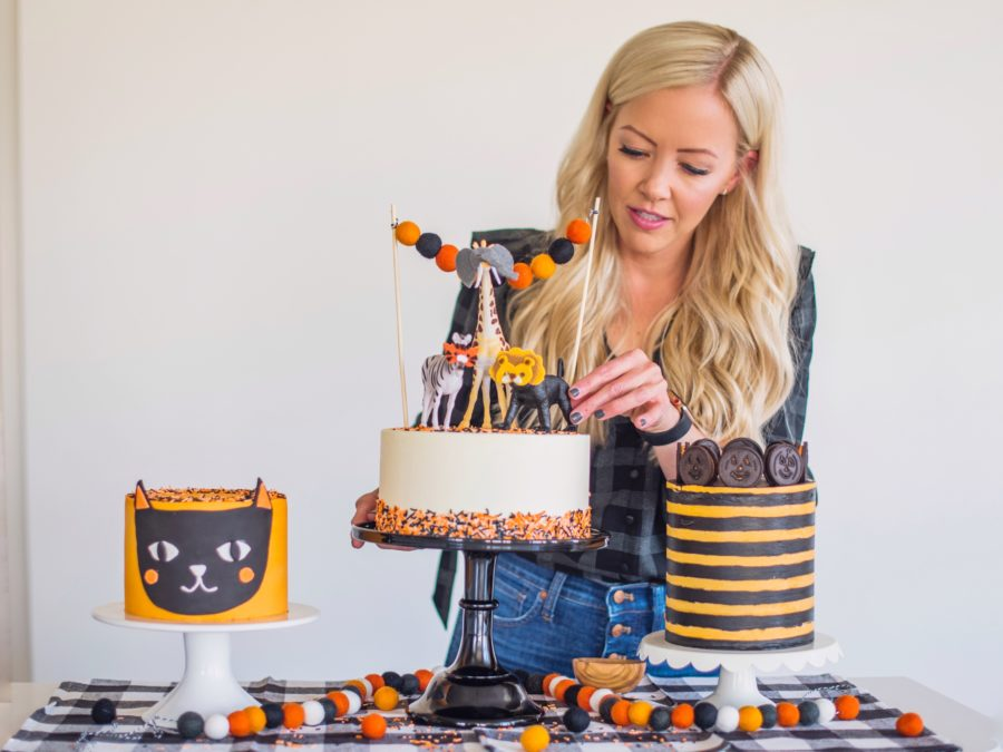 Halloween Striped Cake #cakebycourtney #halloweencake #easyhalloweencake