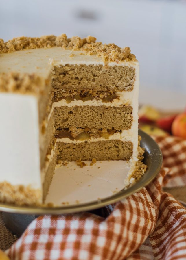 French Apple Pie Cake - apple cider cake layers with shortbread frosting, apple pie filling, streusel crumble and vanilla bean buttercream #cakebycourtney #applepiecake #piecake #thanksgivingcake #frenchapplepie #frenchapplepiecake #applepie