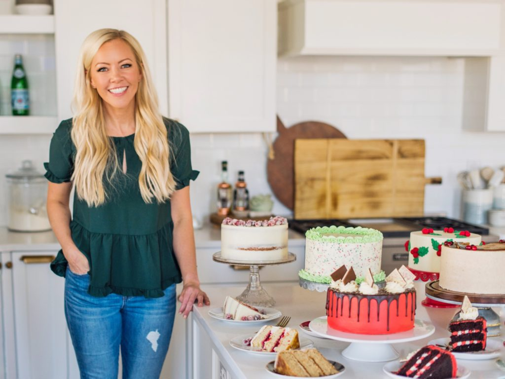 Sweet and Simple Christmas Cakes | Cake by Courtney