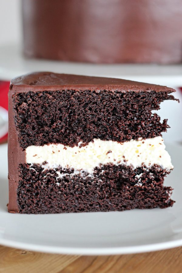 Ding Dong Cake #cakebycourtney #dingdongcake #dingdong #hostess #chocolatecake #besteverchocolatecake #cake #easychocolatecakerecipe #dingdongcakerecipe