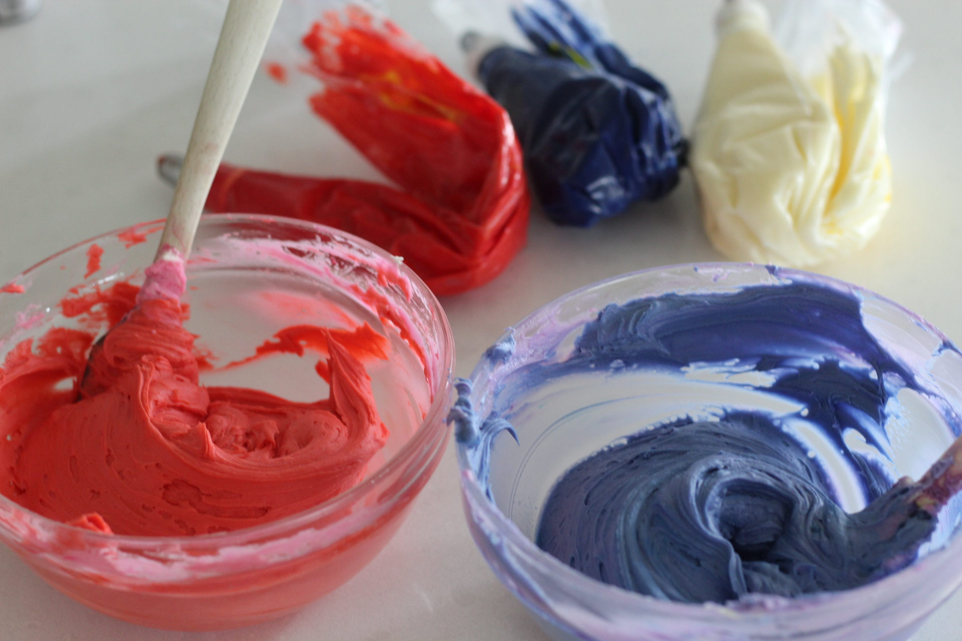 Red and Blue Buttercream Tutorial