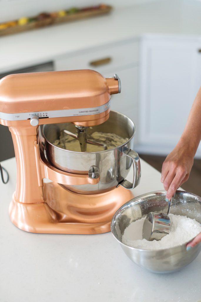 chocolate buttercream frosting cakebycourtney.com