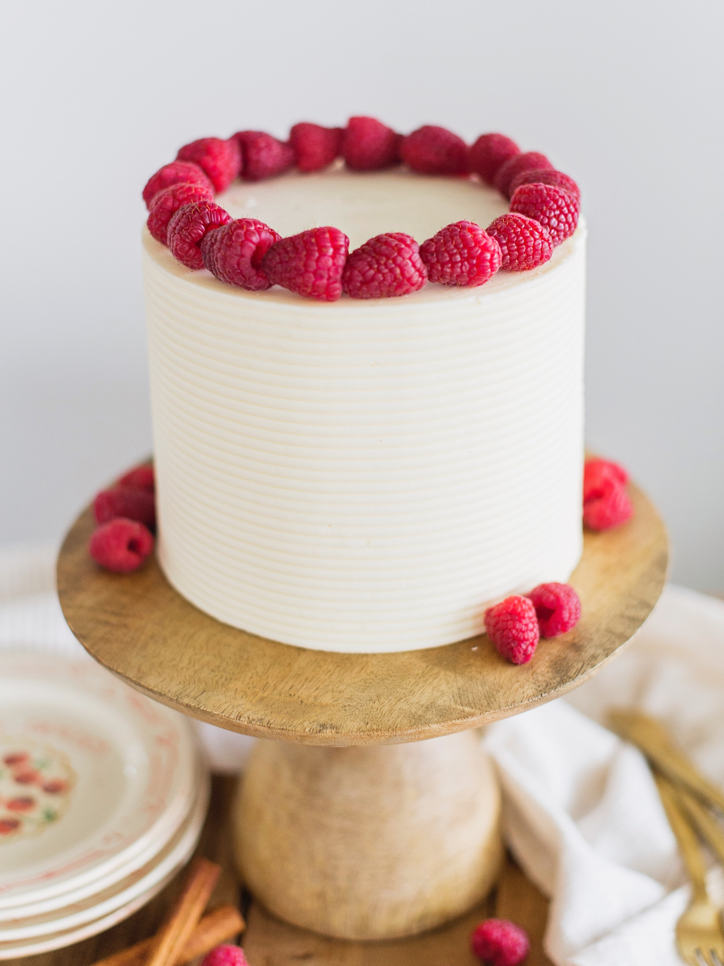 chai white chocolate raspberry cake #cakebycourtney #chaicake #whitechocolate #raspberry #chaicakeeasy #bestbuttercream