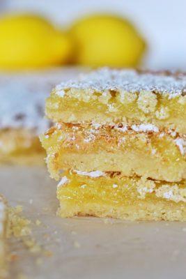 The most delicious lemon bars: #cakebycourtney #lemonbars #besteverlemonbars #lemon #dessert #lemonbardessert #lemonbarrecipe