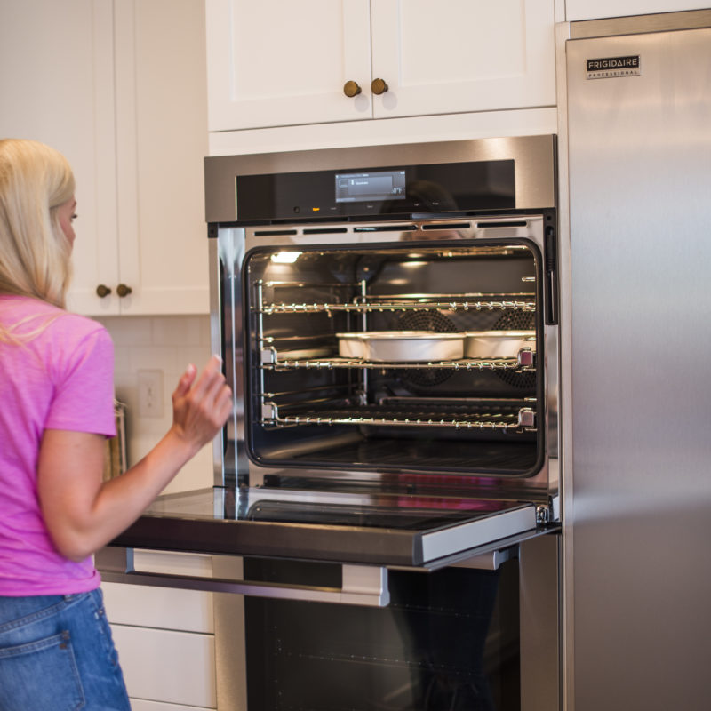 There's a lot that goes into perfect cake layers, including your oven. In fact, getting to know your oven is top of my list for making sure your cake layers don't sink. Find out more in today's post. #cakebycourtney #cake #cakebasics