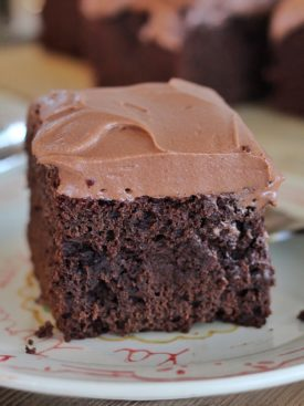 Chocolate Sour Cream Cake: inspired by cakes from the early 1900s, this chocolate sour cream cake is easy to make and full of chocolate flavor. #cakebycourtney #vintagecakes #chocolatesourcreamcake #easychocolatecakerecipe #chocolatecakerecipe #chocolatecake #easycakerecipe