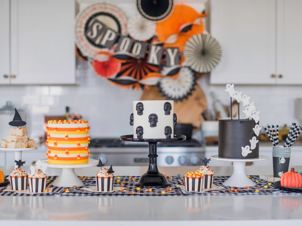 3 Fun and Easy Halloween Cakes | Cake by Courtney