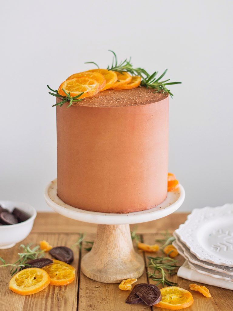 how to bake a cake based on your favorite holiday treat. www.cakebycourtney.com